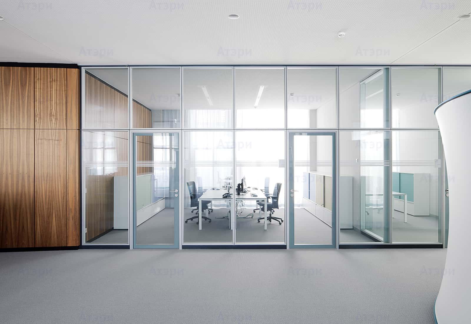 Современные офисные алюминиевые перегородки не только имеют презентабельный внешний вид, но и придают статус организацию.  АОС 85 - серия профилей для алюминиевых перегородок, предназначенная для изготовления офисных перегородок для формирования помещений, различных по функциональному назначению, в торговых центрах, офисных помещениях, где необходима организация рабочего пространства. Из алюминиевых профилей возможно реализовывать различные архитектурные и конструктивные решения.